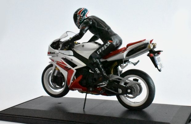 YAMAHA Zr1 model at 1:12 scale